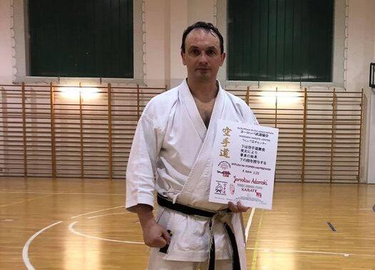 Jarosław Adamski ze stopniem 5 Dan w Karate